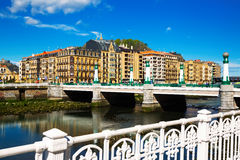 Ponte di Kursaal sopra il fiume di Urumea in Sant Sebastian Fotografia Stock Libera da Diritti