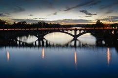 Ponte di Lamar in Austin durante il tramonto immagine stock