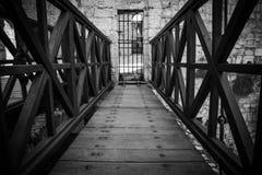 Ponte di legno al castello Fotografie Stock