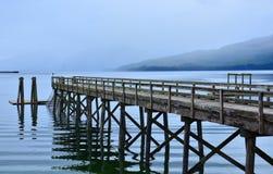 Ponte di legno del pilastro Fotografie Stock