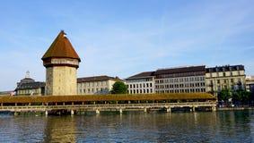 ponte di legno famoso della cappella in Lucerna fotografia stock libera da diritti