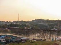 Ponte di legno lungo a Sangkha Immagine Stock