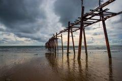 Ponte di legno storico Immagini Stock