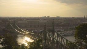 Ponte di libertà e della barca archivi video