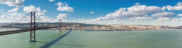 Ponte di Lisbona di panorama Fotografia Stock