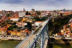 Ponte di Luis I con un tram della metropolitana fotografie stock