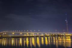 Ponte di Macao Taipa alla notte a Macao Fotografie Stock