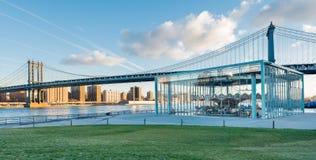Ponte di Manhattan ad alba Fotografia Stock