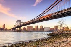Ponte di Manhattan al tramonto Fotografia Stock