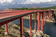 Ponte di Maslenica vicino a Zadar, Croazia fotografie stock