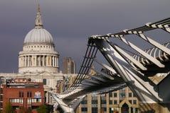 Ponte di millennio - Londra Immagini Stock Libere da Diritti