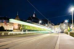 Ponte di Mittlere a Basilea alla notte Fotografie Stock Libere da Diritti