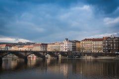 Ponte di Palacky sopra il fiume della Moldava a Praga, repubblica Ceca Immagine Stock Libera da Diritti