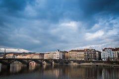 Ponte di Palacky sopra il fiume della Moldava a Praga, repubblica Ceca Immagini Stock Libere da Diritti