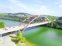 Ponte di Pennybacker di vista aerea o 360 ponte in Austin, il Texas, U Fotografia Stock Libera da Diritti