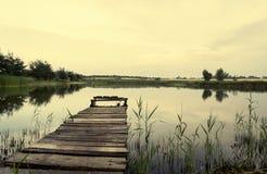 Ponte di pesca, foschia di mattina Fotografie Stock Libere da Diritti