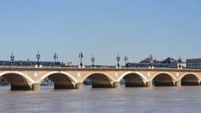 Ponte di pietra in Bordeaux, Francia video d archivio