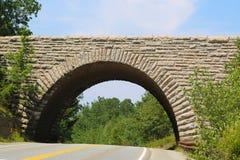 Ponte di pietra dell'arco nell'acadia parco nazionale, Maine Fotografia Stock Libera da Diritti