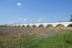 Ponte di pietra di Hortobagy Immagini Stock