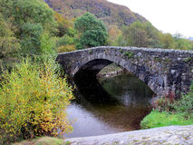 Ponte di pietra, fattoria, Cumbria Immagini Stock Libere da Diritti