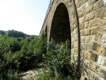 Ponte di pietra ferroviario Immagini Stock