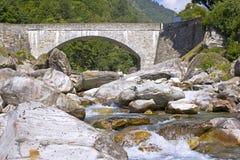 Ponte di pietra, il Ticino Fotografie Stock Libere da Diritti