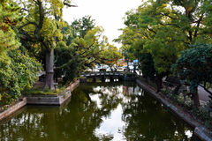 Ponte di pietra nel santuario di Sumiyoshi Taisha, Osaka Fotografie Stock