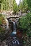 Ponte di pietra sopra Christine Falls Fotografie Stock Libere da Diritti