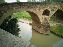 Ponte di Pont de Queralt sopra il fiume Vic di Meder immagine stock