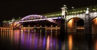 Ponte di Pushkin attraverso il fiume di Mosca, Mosca, Russia Fotografia Stock Libera da Diritti