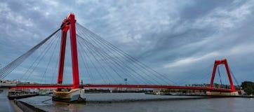 Ponte di Rotterdam, dei Paesi Bassi e di Willem nel pomeriggio immagine stock