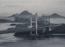 Ponte di Seto Ohashi che è osservato da Kurashiki Fotografia Stock Libera da Diritti