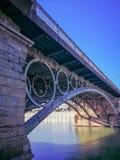 Ponte di Siviglia in Spagna fotografie stock libere da diritti