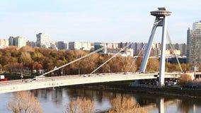 Ponte di SNP (ponte del UFO) a Bratislava video d archivio