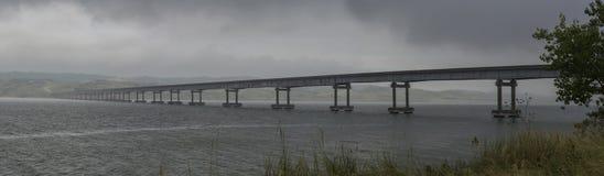 Ponte di sollevamento del fiume Missouri della nebbia Fotografia Stock