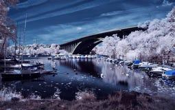 Ponte di Traneberg, Stoccolma nell'infrarosso Fotografie Stock Libere da Diritti