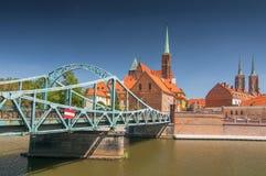 Ponte di Tumski, città vecchia di collegamento ed isola della sabbia di Wroclaw con l'isola della cattedrale o Ostrow Tumski, Pol immagine stock libera da diritti