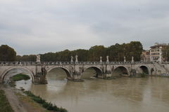 Ponte di Umberto I del ponte di Roma Fotografie Stock