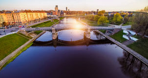 Ponte di Vilnius con Neris Fotografie Stock