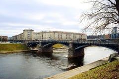 Ponte di Zverynas della città di Vilnius vecchio il 13 marzo Fotografie Stock Libere da Diritti