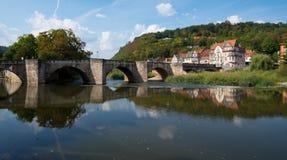 A ponte do ¼ de Hannoversch MÃ nden em Alemanha imagem de stock
