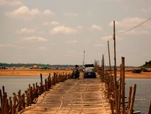 Ponte do bambu de Mekong Fotos de Stock Royalty Free