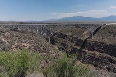 A ponte do desfiladeiro de Rio Grande imagens de stock
