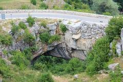 A ponte do deus em Ponoarele, Romênia fotos de stock