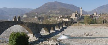 A ponte do diabo em Bobbio fotografia de stock