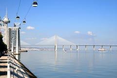 Ponte do Gama de Vasco a Dinamarca em Lisboa, Portugal imagem de stock royalty free