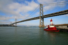 Ponte do louro de San Francisco-Oakland na noite Foto de Stock Royalty Free