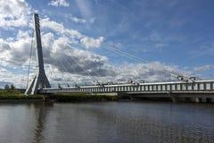 Ponte A do metal Kadyrov através do canal de Dudergofsky, Krasnoselsk Imagem de Stock