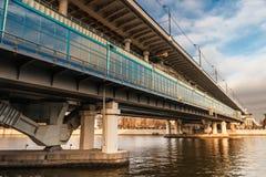 Ponte do metro de Luzhniki em Moscovo, Rússia Foto de Stock