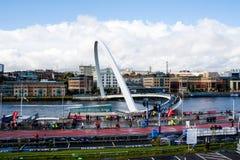 A ponte do milênio em Tyne River Foto de Stock Royalty Free